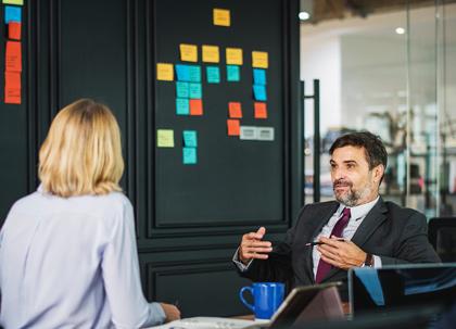Quelles sont les doubles compétences d'un Responsable des relations sociales ?