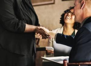 Quel est le programme d'une formation Mastère « Management des Ressources humaines (RH) » pour les professionnels en activité ?
